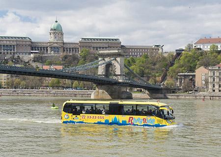 Autobus galleggiante
